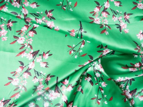Kirschblüten grün 100 % Seide - Meterware