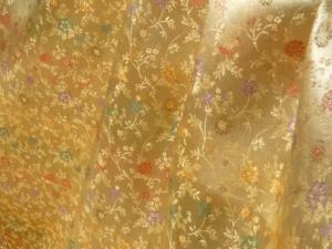 Jaquardstoff Blumen gold - Meterware