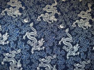 Seidenstoff Drachen blau / silber - Meterware